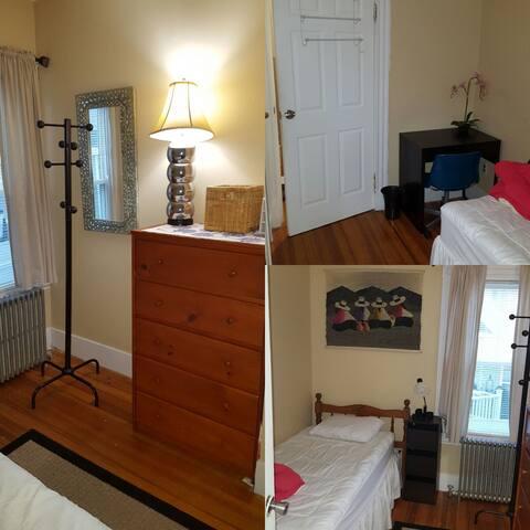 Cozy quiet private room on T line in Jamaica Plain