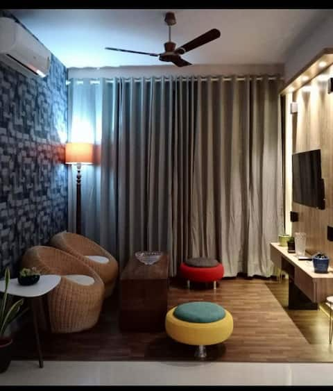 Fully furnished and nicely decorated Comfort Home