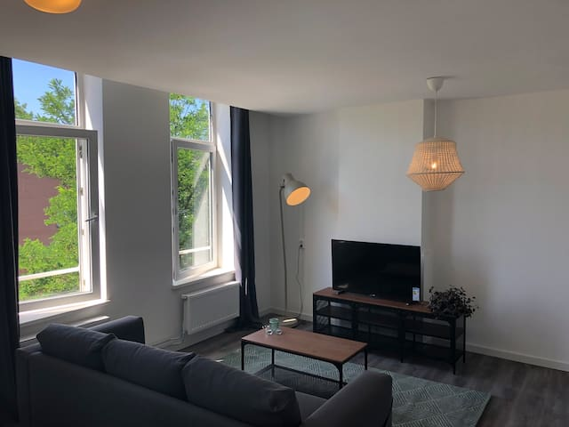 Rotterdam new apartment with large living (2p)