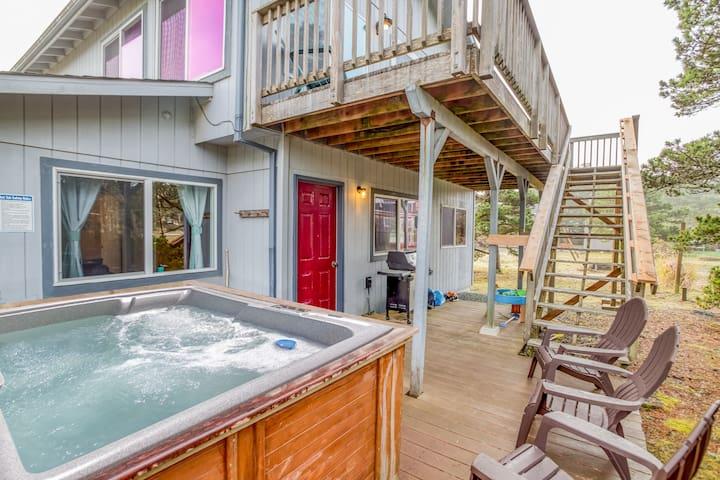 Kid Friendly Rockaway Beach home with Hot Tub, Bonus Room, Pets Welcome, Next to Nedonna Beach