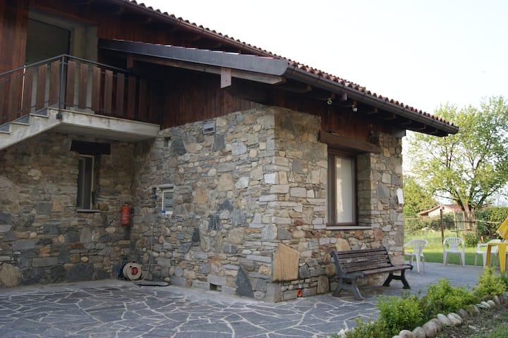 BILO-Apartment  with swimming pool  Lake Maggiore