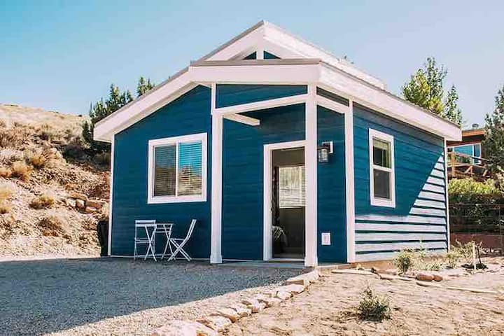 Luxury Tiny House on 1 acre near Zion & St George