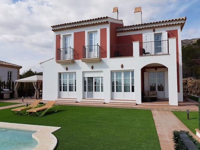 Magnificent mediterranean villa - Finestrat - Villa