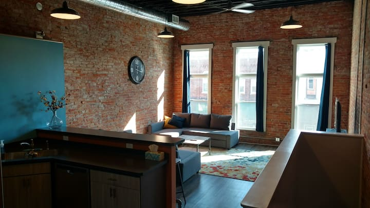 2 Bedroom Loft in Historic Downtown Elmore, Ohio