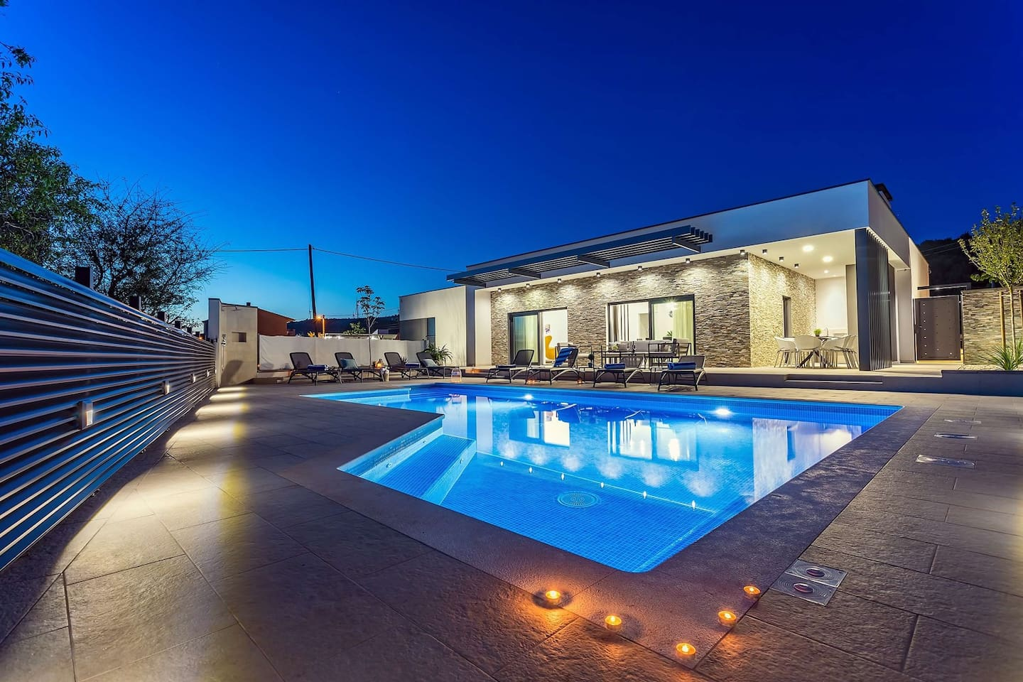 Villa Casa Mia is new and very nicely furnished Villa with private Pool, 8pax
