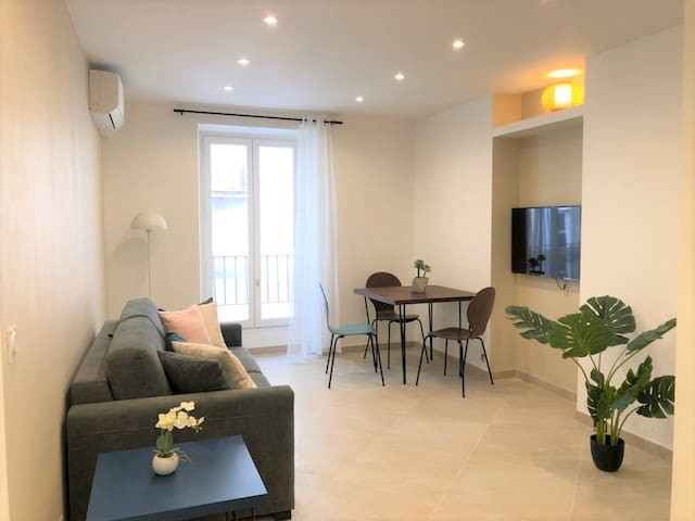 1 bedroom flat, heart of Nice, 5 mn from the sea