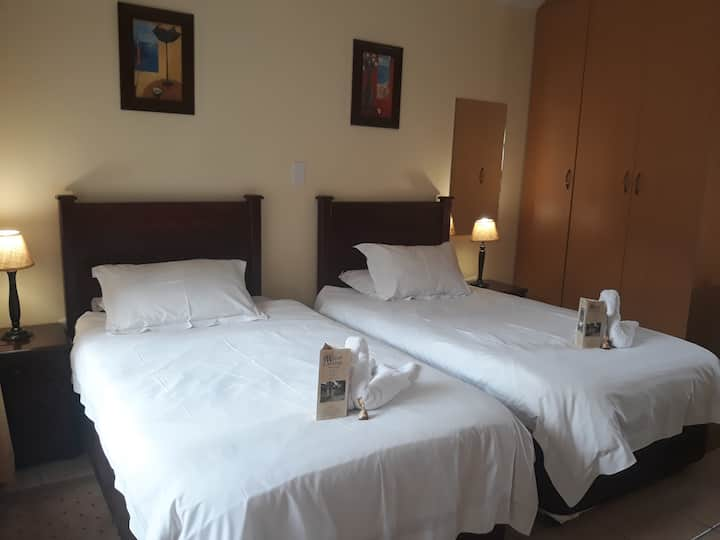 Marlot Guest House - Deluxe Double/Twin