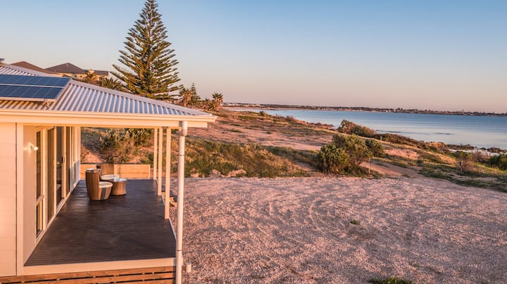 Oceanfront house - elegance by Spencer Gulf