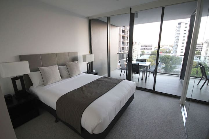 STYLISH *FURNISHED* ONE BEDROOM APARTMENT - Milton - Wohnung
