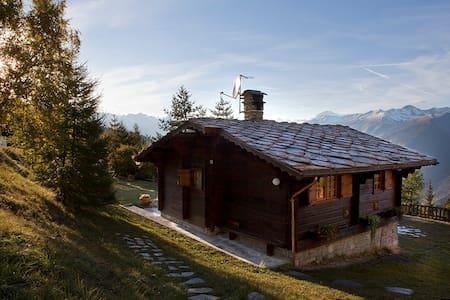ROSSO38-ski&sauna&goodvibes, chalet a Pila