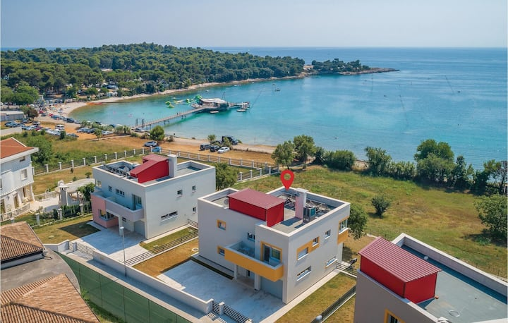 Holiday cottage with 5 bedrooms on 260m² in Pula