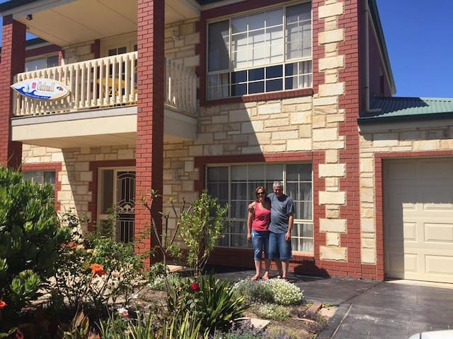 Chibnall Port Elliot two story with mountain views
