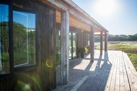 NEW Farm House 12 min to Magnolia! - Waco - บ้าน