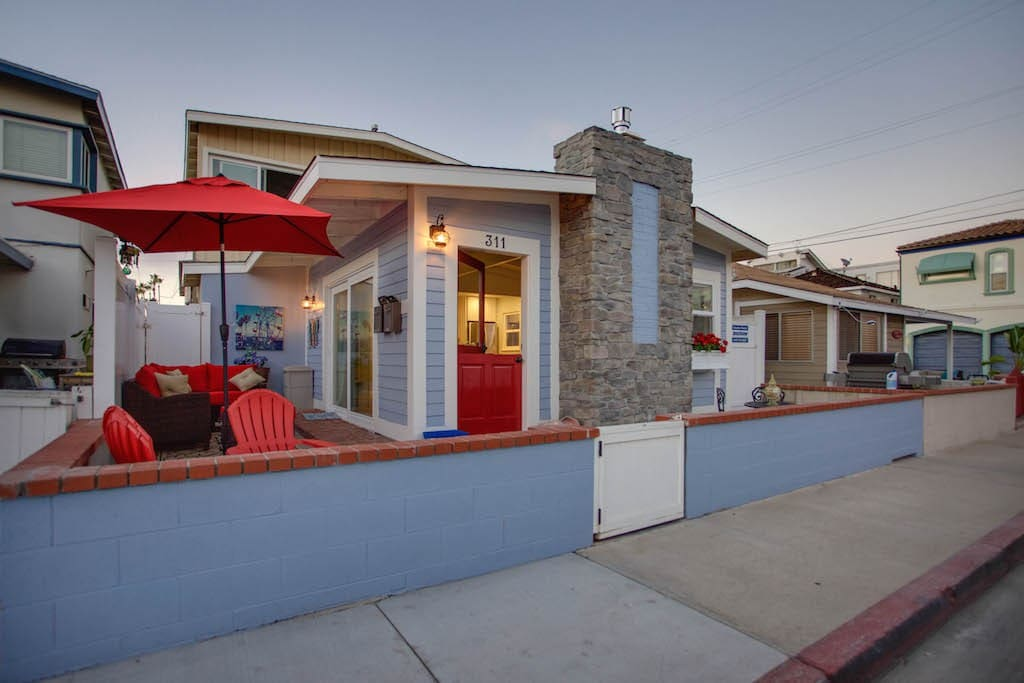 Our 2 bedroom, 2 bath cottage has plenty of comfortable outdoor living space and propane barbecue