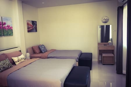 BRAND NEW Room for 3/*15 mins to Historical Park*
