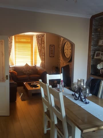 Champions League Final house for rent. Newport. - Newport - House