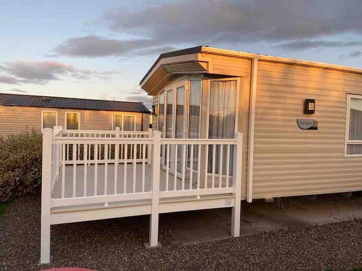 Sheraton platinum luxury caravan at seton sands