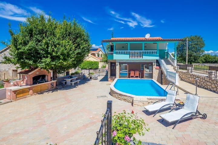 Ferienhaus Martina mit Pool - Gabonjin - Villa