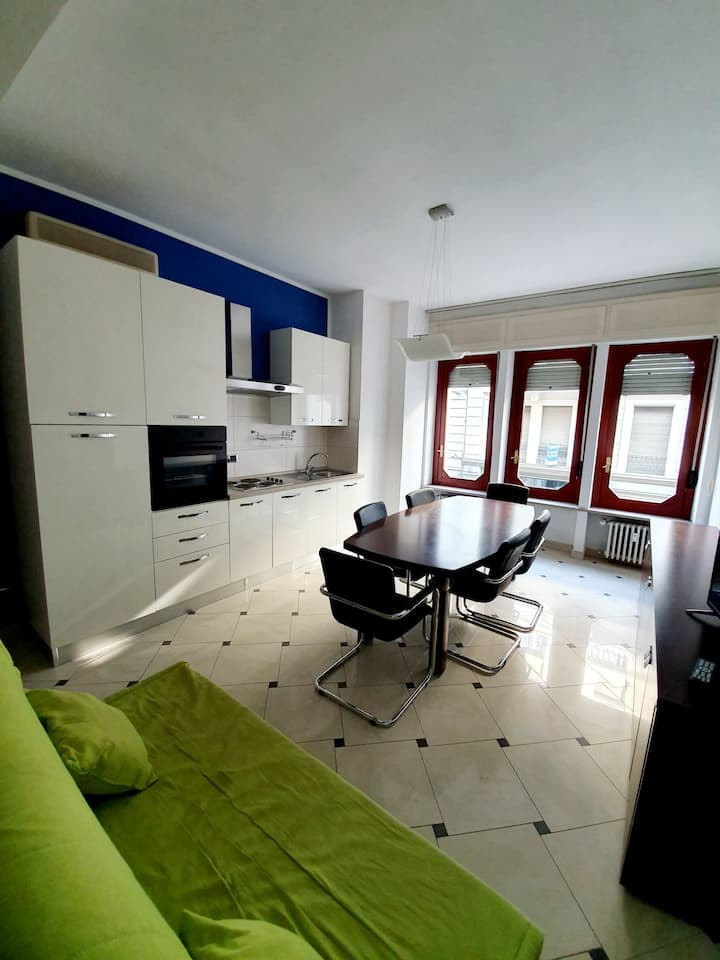 """Appartamento""""La galleria di Asti"""" in centro P.auto"""