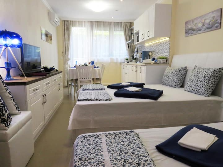 White Orchid Studio in Sozopol