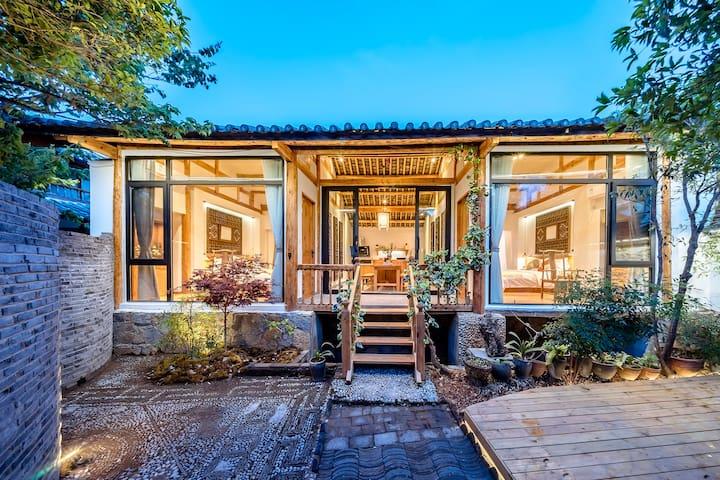 丽江古城独栋整院近南门桥纳西风情独立私密小院