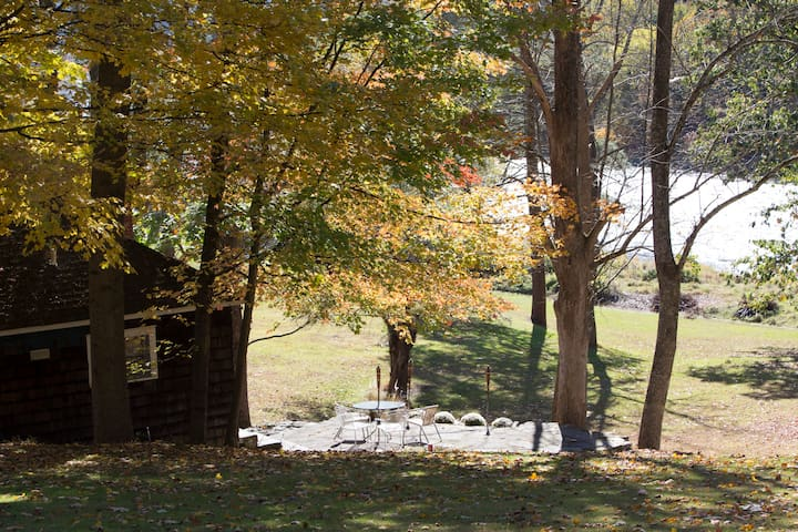 Entire cottage on Upper Delaware River Narrowsburg