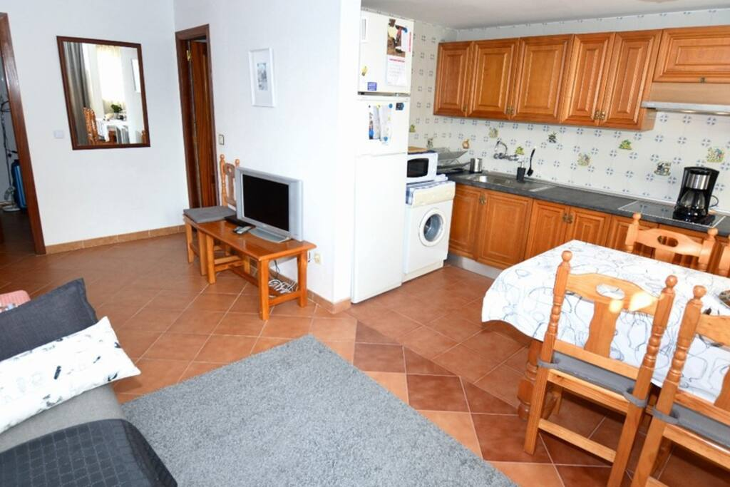 Spacious open plan interior kitchen and lounge