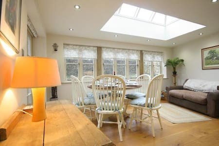 Coach House, Burford, country cottage, Cotswolds - Burford - House