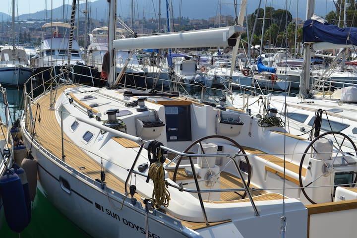 Sleeping on a sailboat in Palermo - Boat&Breakfast