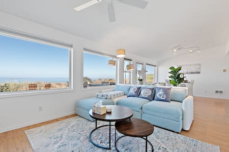 Panoramic Oceanview Home w/Hot Tub, Dog Friendly