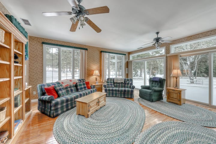 Family & dog-friendly home w/a pond and gas grill - near skiing & golfing!