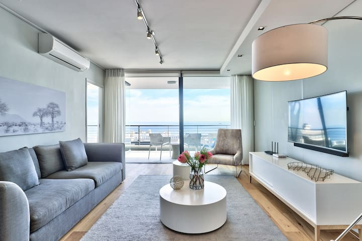 Expansive Ocean Views from this Modern, Sunny 2Bed