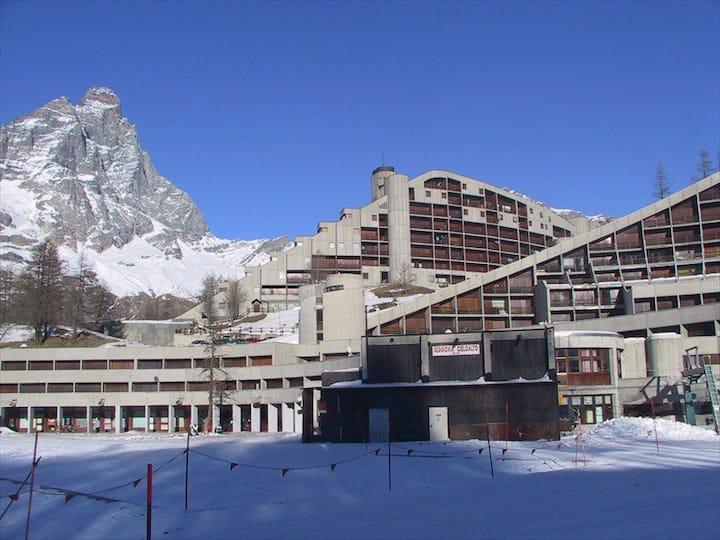 Luxury front ski slope Cervinia apart. with SAUNA