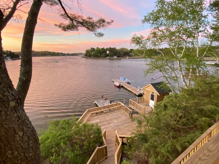 Waterfront with Breathtaking Views & Private Dock