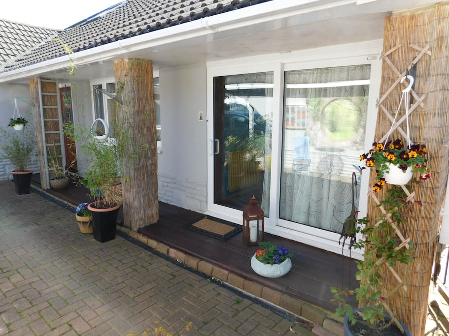 Own private entrance to the annexe