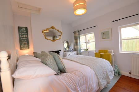 Ironbridge Cosy comfy Victoria Cottage Shropshire