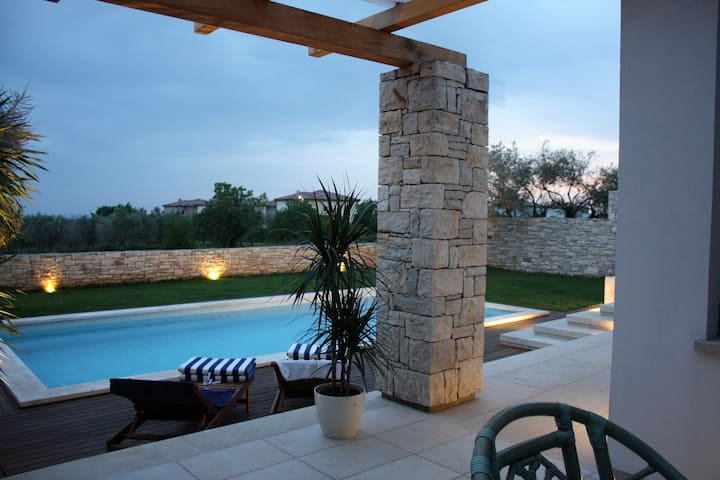 Lovely villa Beatrice with  pool and sea view
