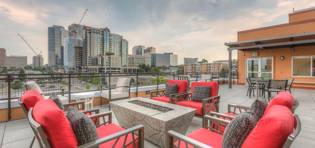 Stylus 1B brand new apartment on main st - Bellevue - Appartement