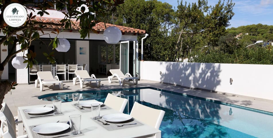 MONTMAR - Villa with private pool in the center of Tamariu-Costa Brava