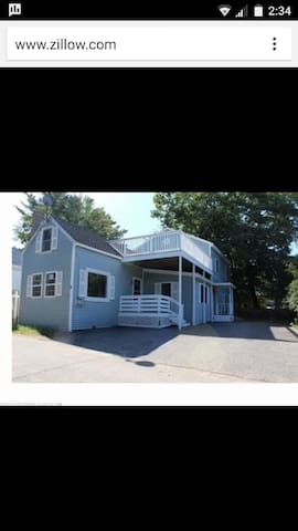 Cozy 4BR Beach House.  A short drive to portland - 올드 오차드 비치(Old Orchard Beach) - 단독주택