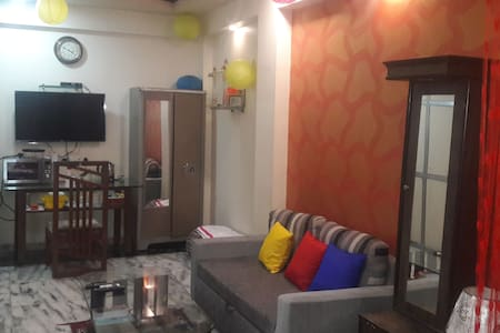 PRIVATE ROOM IN ANDHERI WEST ..FOUR BUNGLOWS - Мумбаи