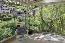Heimeliges Bungalow mit 2 Zimmern mit Terrasse