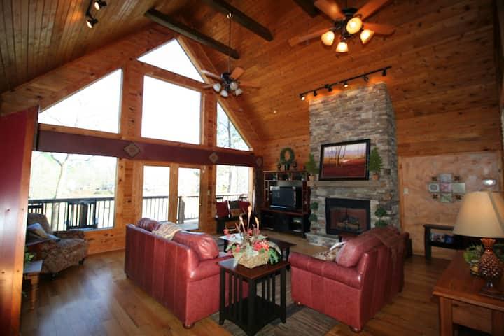 Warm and Comfortable Luxury Log Cabin