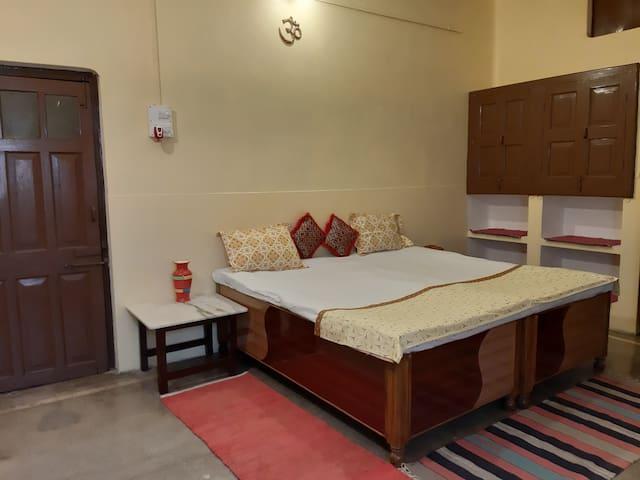 RAM NIWAS..1.A Heritage Property Near Ganges,LANKA