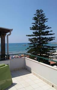 Graziosa mansardina vista mare - Marina di Ragusa - Apartmen