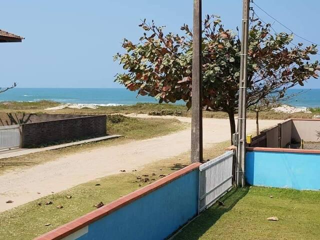 Casa Praia do Ervino próximo ao mar