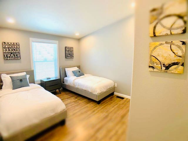 Fourth bedroom with 2 single size beds