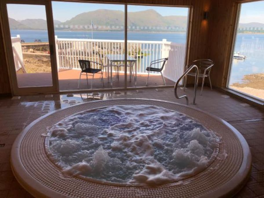 Free Use of Hot Tub at the Nearby Holly Tree Hotel.
