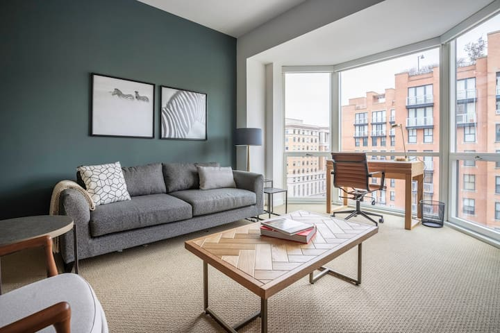 Bright Penn Quarter 1BR w/ W/D, Gym, Doorman, nr. Metro, by Blueground (ID #WDC160)