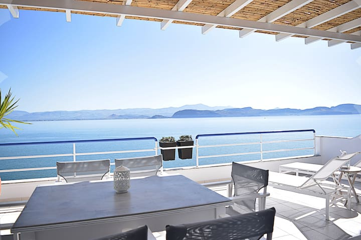 Waterfront Two Bedroom Loft Apartment, Nafplion - Κιβέρι - Apartment